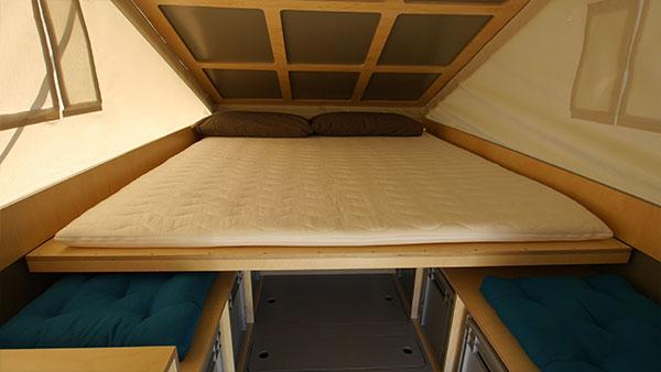 Großzügig schlafen mit 160 auf 200 cm.